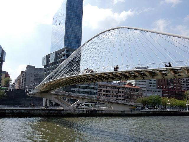 Puente Zubizuri, Puente Calatrava, Bilbao, España, Elisa N, Blog de Viajes, Lifestyle, Travel