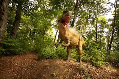 paleontológia, tudomány, szórakozás, Erdély, Barcarozsnyó, dinópark, dino parc brasov, Jurassic Park, Steven Spielberg