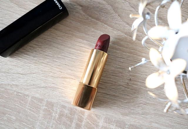 Mes dark lips avec le Rouge Allure Velvet Rouge Audace de Chanel