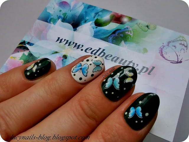 Naklejki motyle na paznokciach