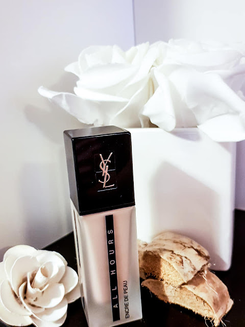 Yves Saint Laurent Encre de Peau All Hours Foundation base com spf20 review