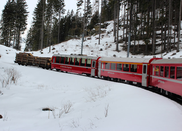 Bernina Expres por los Alpes nevados