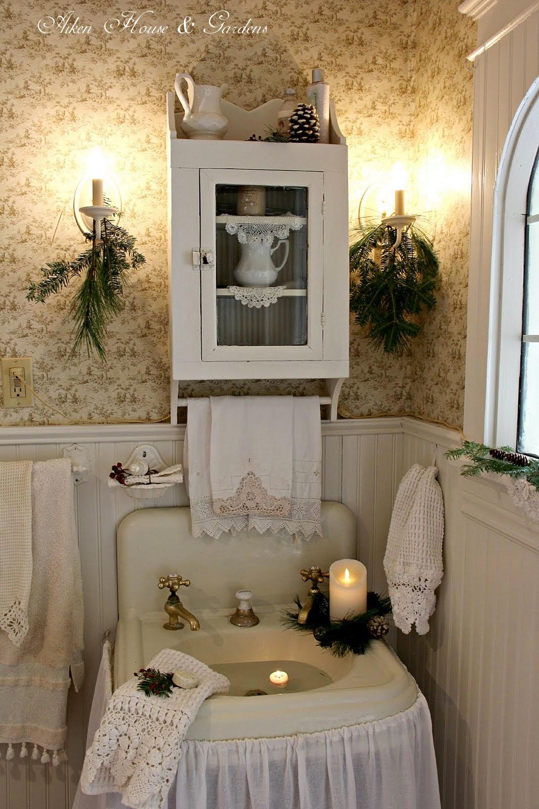 Aiken House Amp Gardens Our Bathroom At Christmas