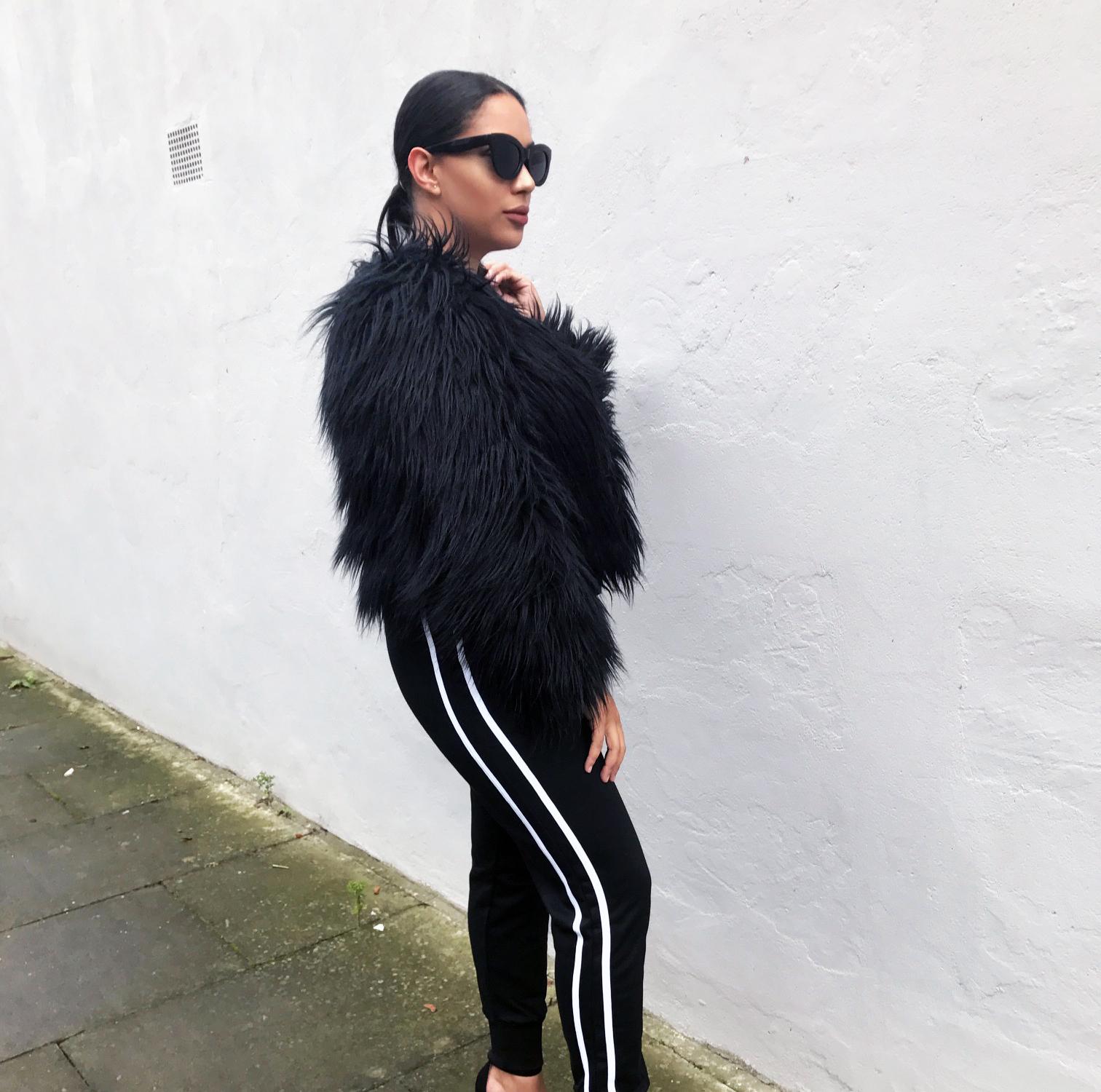lasula boutique sports luxe blogger joggers fur coat