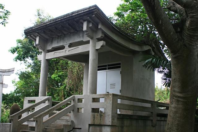 宇堅村クバウ嶽之殿の写真