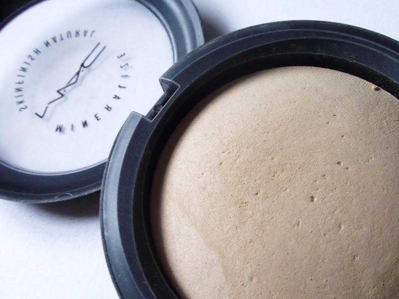 Mac Mineralize Skinfish Natural Powder The Beauty Type
