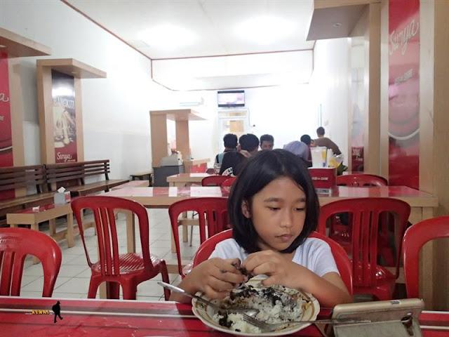 Nasi Jamblang Mang Dul Yang Legendaris