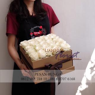 toko bunga dijakarta, jual flowers box murah, jual rangkaian handbouquet bagus, jual rangkaian bunga handbouquet, jual flowers box murah, flowers in box, jual bunga segar dan cantik