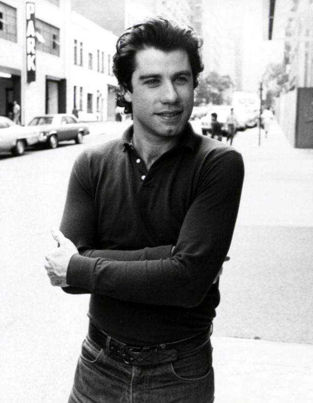 35 Handsome Photos Of A Young John Travolta That Had Women