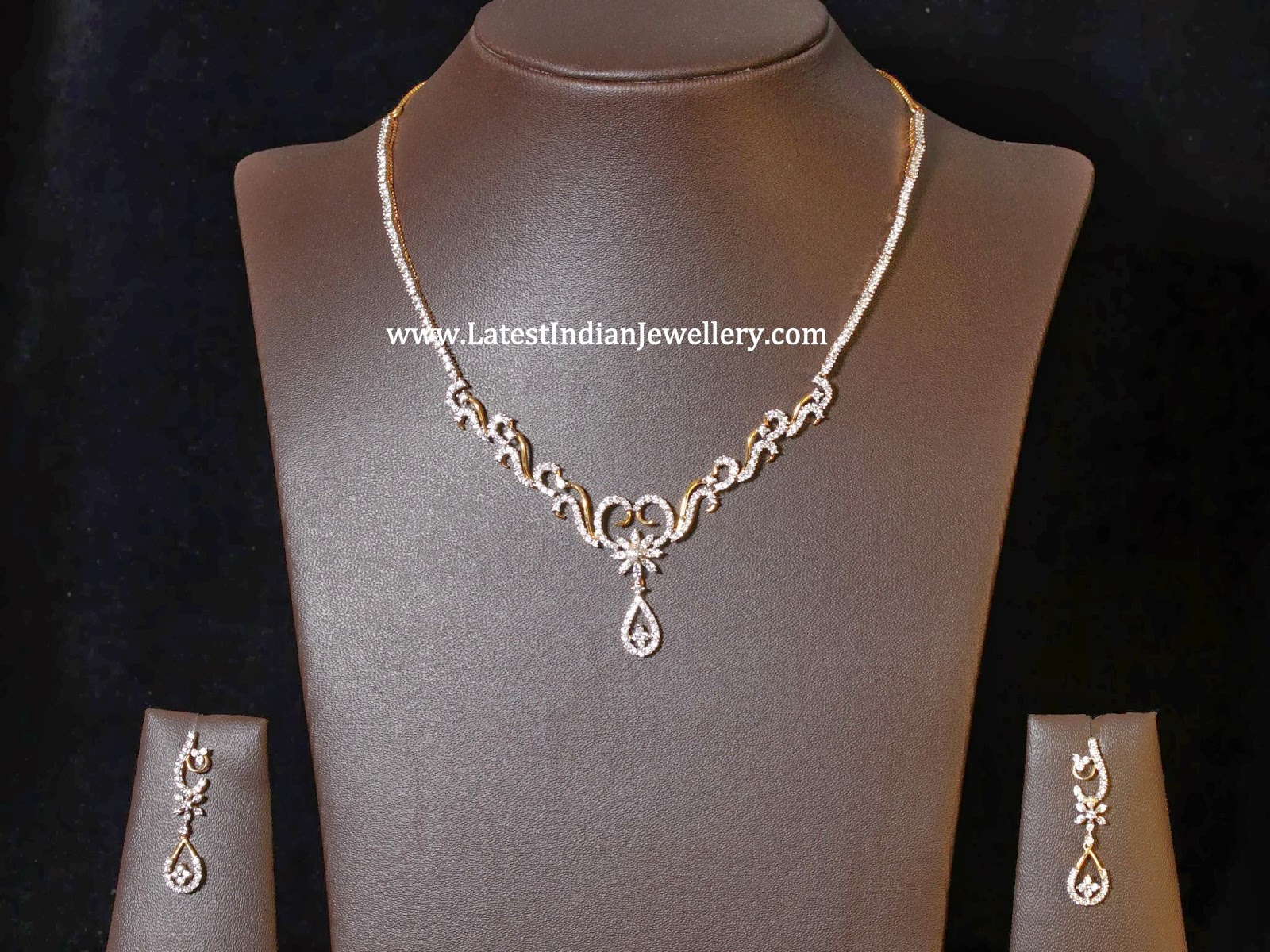 Stylish Simple Diamond Necklace Sets