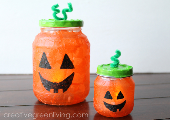 How to make Halloween luminaries with recycled glass jars