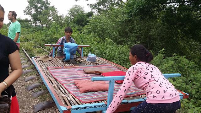 Proceso de montaje y desmontaje del Tren de Bambú