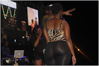 "Curvy LADY displays her bare derriere and fat ""Nunu"" for NAMELESS! WAHU won't like it (PHOTOs)"