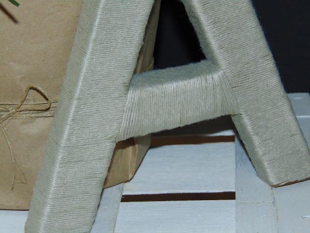 litera ze sznurka i kartonu