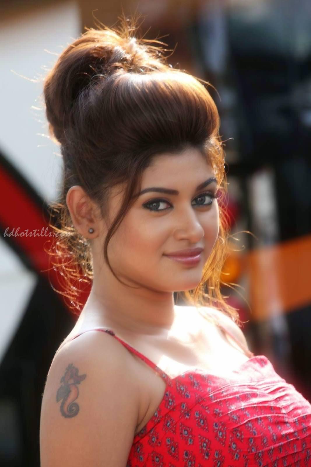 Tamil Actress Oviya Hot Hd Photos  Cinesence-5201