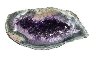 la amatista tambien puede encontrar en geodas