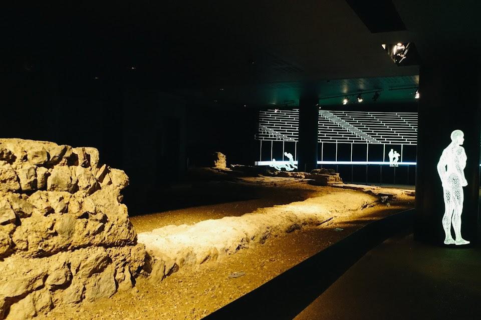ギルドホール・アート・ギャラリー(Guildhall Art Gallery)ローマ時代の円形競技場(Roman Amphitheatre)