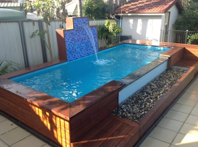 kolam renang unik dari kayu