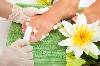 Comment faire un soin de beauté des pieds à la maison