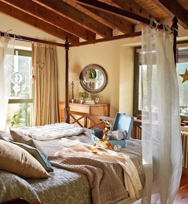 dormitorio navideño de casa de campo