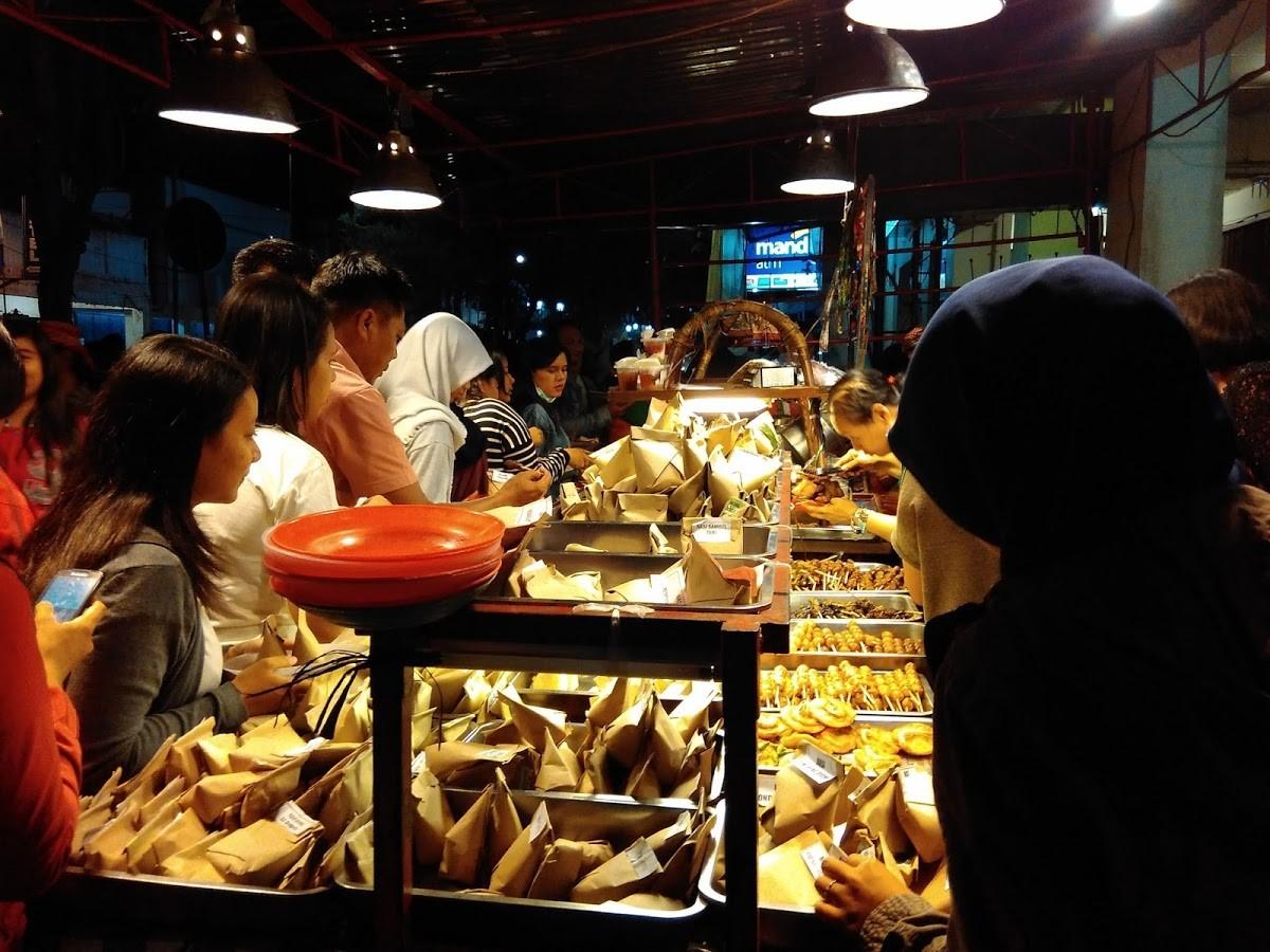 foto:yusriyahs.blogspot.com - angkringan gareng petruk
