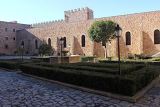 Patio del castillo medieval de Sigüenza