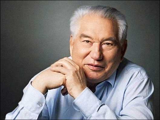 Image of Kyrgyz writer Chingiz Aitmatov