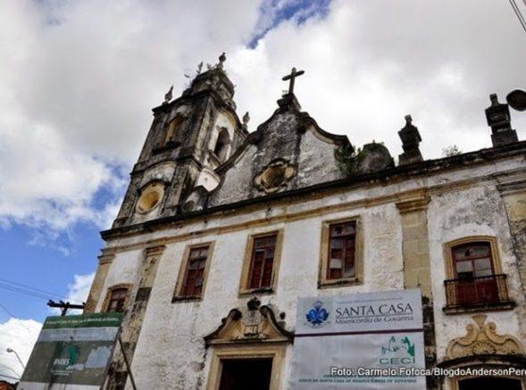 Igreja barroca, com obras de restauração atrasadas, é vistoriada em Goiana