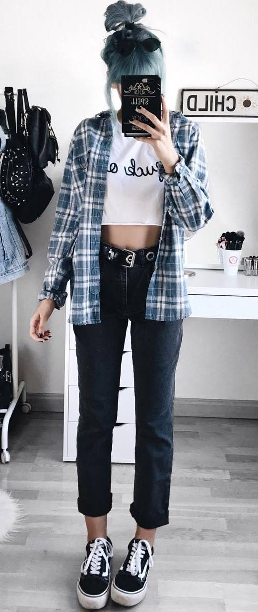 how to style a plaid shirt : top + jeans + sneakers