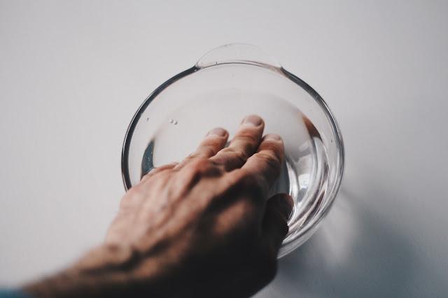 Sposoby na suchą i spierzchniętą skórę dłoni
