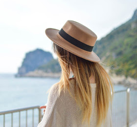 Topi Fashion Summer Hat <price>Rp835.000</price> <code>SKU-0013</code>
