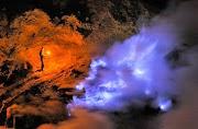 Blue Fire Kawah Ijen: Satu dari Hanya Dua di Dunia!