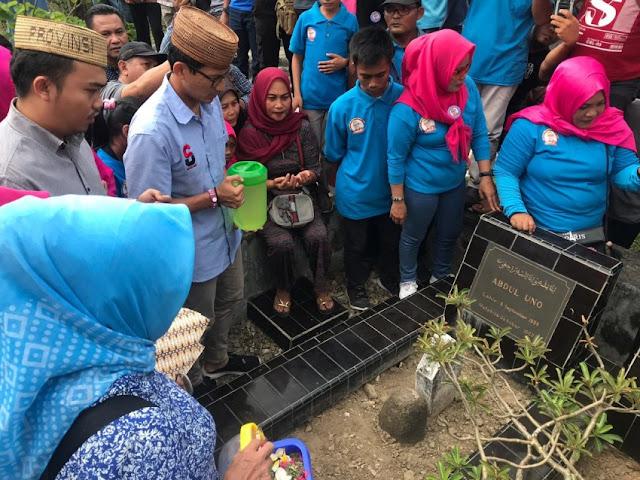 Sambangi Gorontalo, Sandi Ziarah ke Makam Leluhur