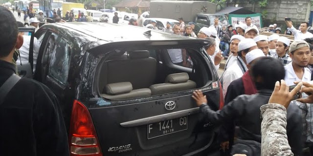 Laskar FPI Diserang Ormas 'Preman', Media Bungkam Pura-Pura Tidak Tahu