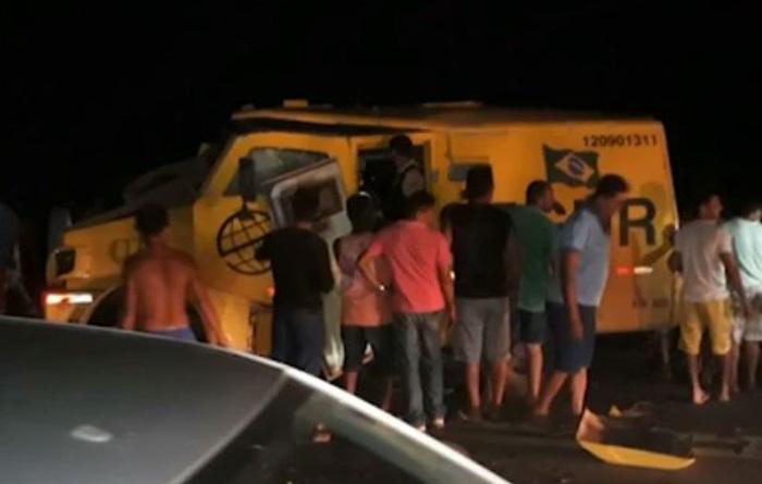 Quadrilha explode carro-forte ente Caxuxa e Alto Alegre do Maranhão