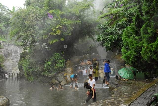 Paket Wisata Bandung 1 Hari Murah - Wisata Pemandian Sari Ater
