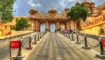 Bara Pol at City Palace Udaipur, City Palace Udaipur, Heritage Sites in Udaipur, Heritage of India, Udaipur Tourist Attractions, Udaipur Tourism, Udaipur Tourist Information, Visit Udaipur, Places To Visit in Udaipur, Udaipur Tourist Guide