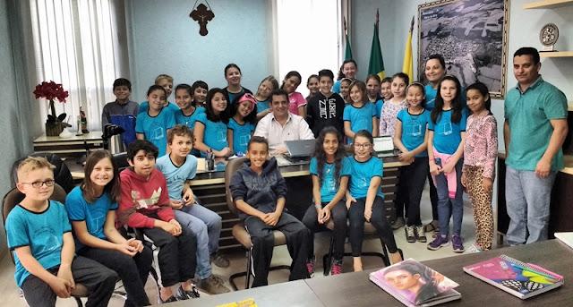 Roncador: Prefeito recebe alunos da Escola Monteiro Lobato