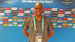 6eb01bd22ac The assistant referee Joe Fletcher (photo)