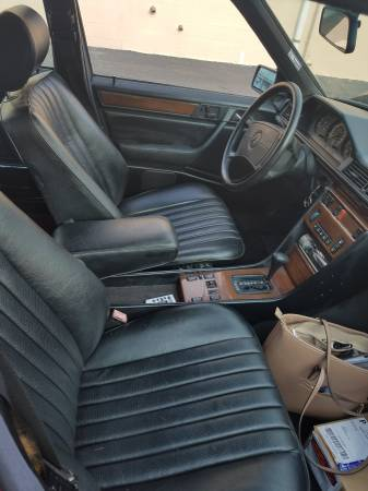 Daily Turismo Hoodstacked 1991 Mercedes 300d