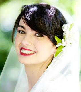 Penteado de noiva com flores naturais