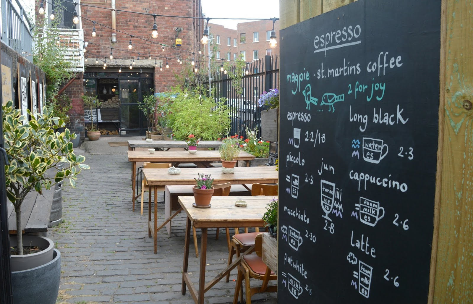 Breakfast at Kiln, Ouseburn - Courtyard