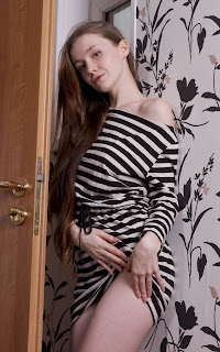 Teen Nude Girl - Emily%2BBloom-S02-005.jpg