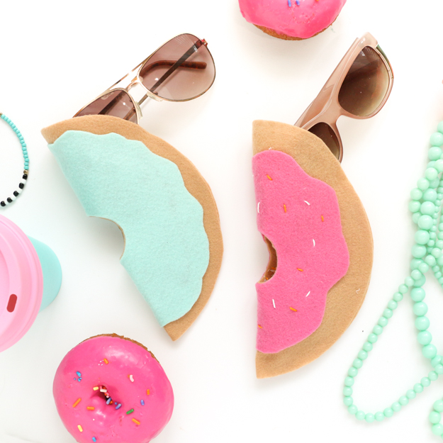 Felt Doughnut Sunglasses Case - Easy No-sew donut glasses case - quick craft - silly funky doughnut craft