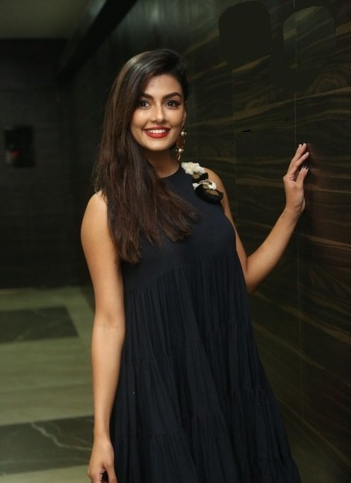 Actress AnishaAmbrose Latest HD Images