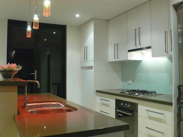 Modern kitchen styles and lighting ideas Modern kitchen styles and lighting ideas Modern 2Bkitchen 2Bstyles 2Band 2Blighting 2Bideas7