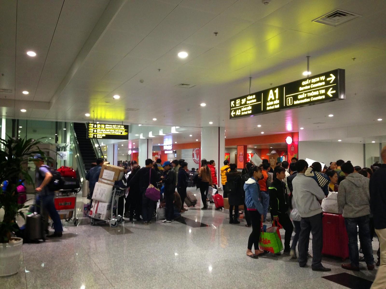 hanoi-noibai-airport-new-terminal-exit
