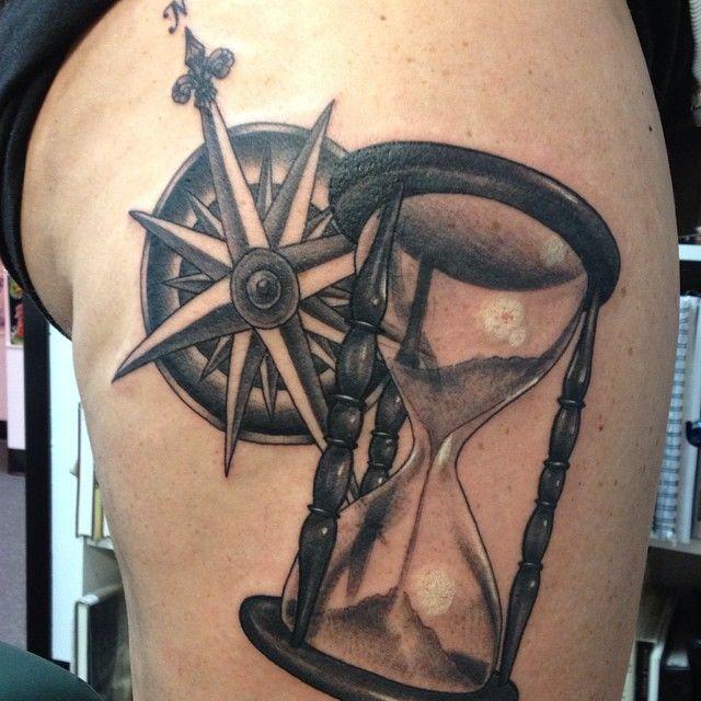 tatuajes del reloj de arena significado belagoria la web de los tatuajes. Black Bedroom Furniture Sets. Home Design Ideas