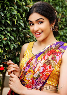 most beautiful India Girls, Top India Girls Pic, Nice Look Girls Pic, Stunning Look Girl Pic