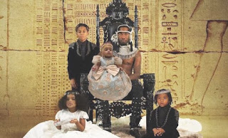 """Offset """"Father Of 4"""" Album Shot On Brood; Reveald Cover and 16 Tracks"""